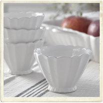 Liten skål i vit keramik