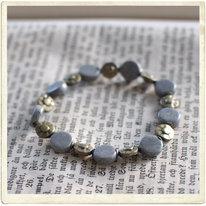 Armband, grå, platta stenar
