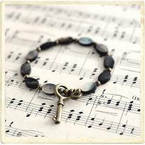 Armband, nyckel & pärlemor