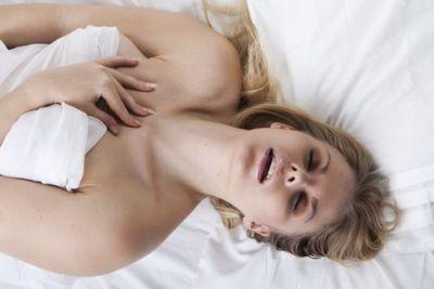 Hur ger du en kvinna en sprutande orgasm