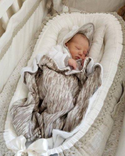 Babynest beige linne med spets