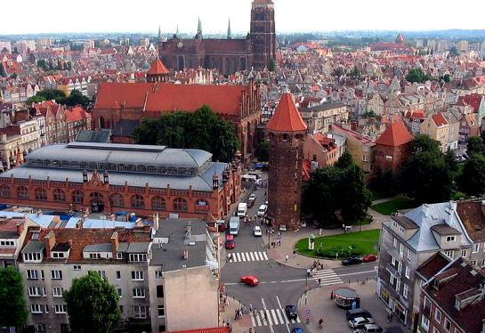CC Licence 3.0 http://commons.wikimedia.org/wiki/File:Gdansk_2004.jpg