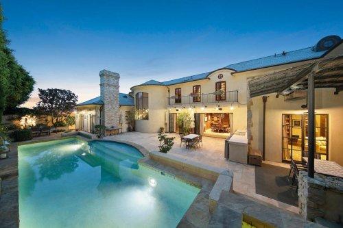 Exklusivt hus med pool