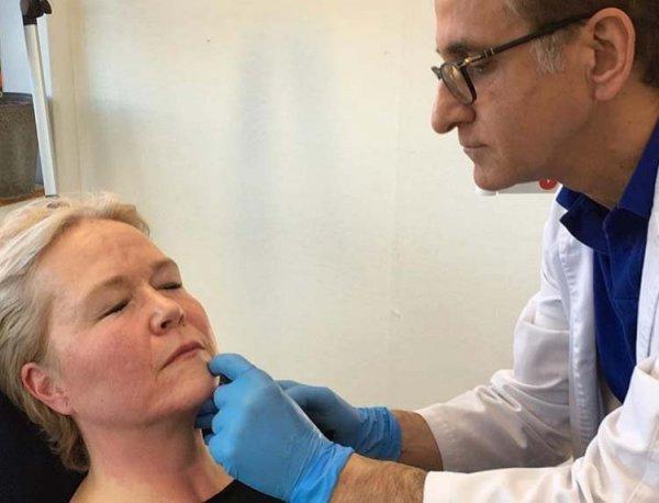 Dr Adel behandlar med fillers på kliniken i Stockholm