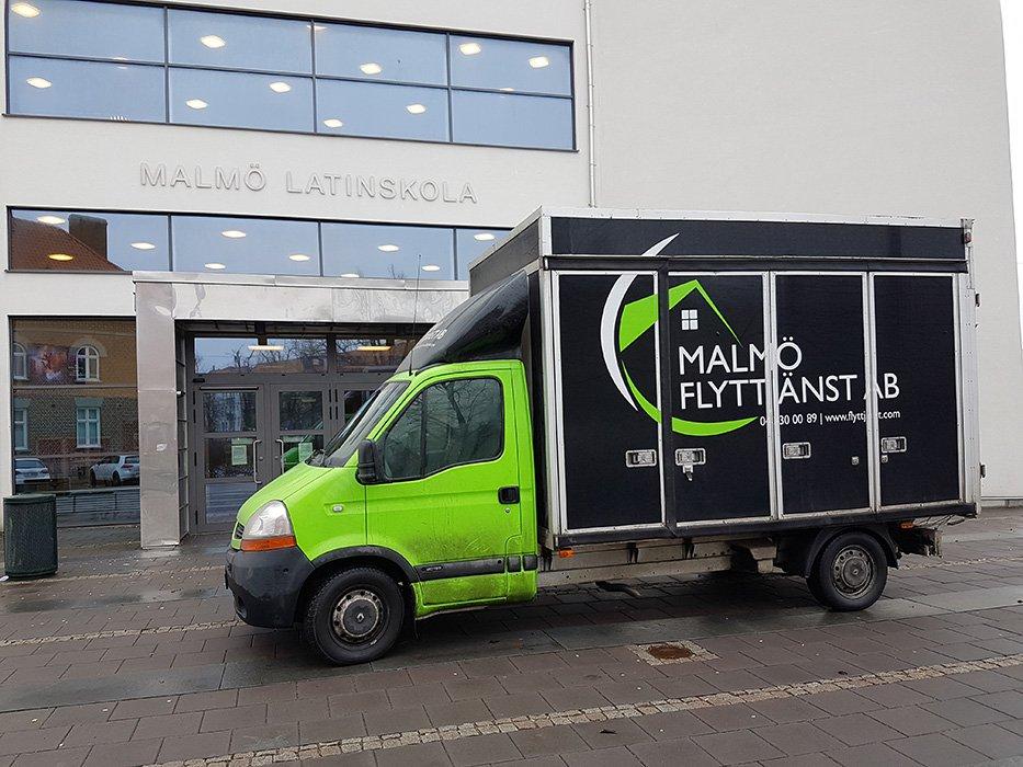 Flyttfirma i Lommas tjänstlastbil