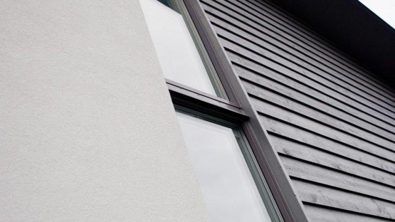 Aluminiumklädda fönster står emot alla väderförhållanden och är närmast underhållsfria om du funderar på fönsterbyte i Örebro.