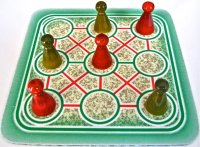 tic-tac-toe-red-green.jpg