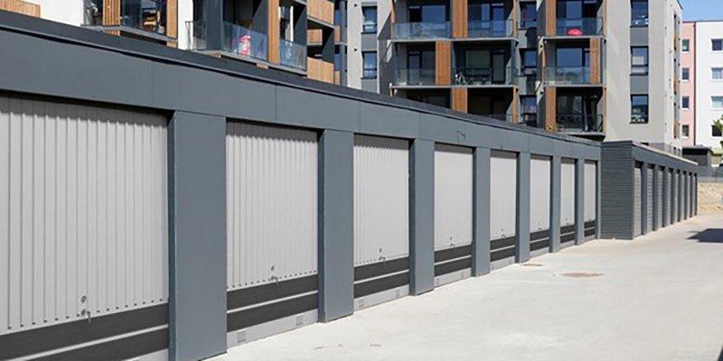 Nya garageportar i Värmland, en brf.