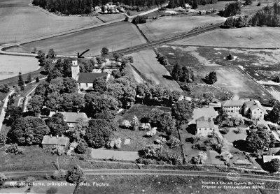 /bjorskogs-kyrka-med-pil.jpg