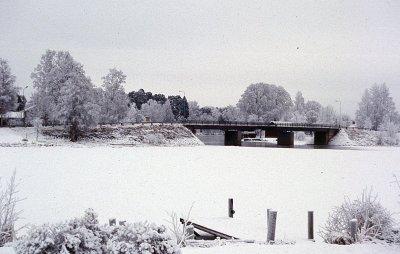 /torsang-bron-over-lillalven-vinter-2.jpg