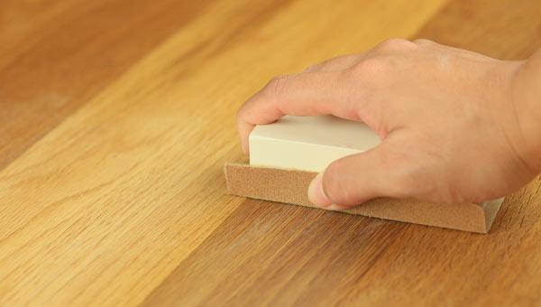 slipa golv för hand