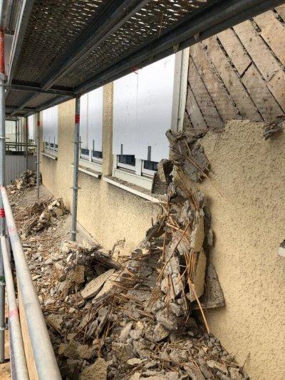 rivning av fasadputs
