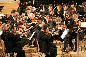 350px-fhm-orchestra-mk2006-021.jpg