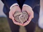 ring-ringar-hjärta-snöre-ekologiskt-natur-bröllop-bröllopsringar-ringkudde