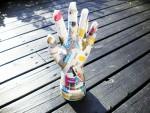diy-handarbete-tips-inspiration-smycken-hand-smyckeshållare-hållare-papper-papperspyssel-mug-handske