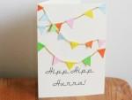 födelsedag-födelsedagskort-kort-vykort-diy-pyssel-pyssla-vimpel-vimplar-snöre-hipp-hipp-hurra-papperspyssel-papper-inspiration-kalas