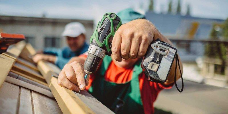 Hitta en takläggare som kan lägga tak åt dig.