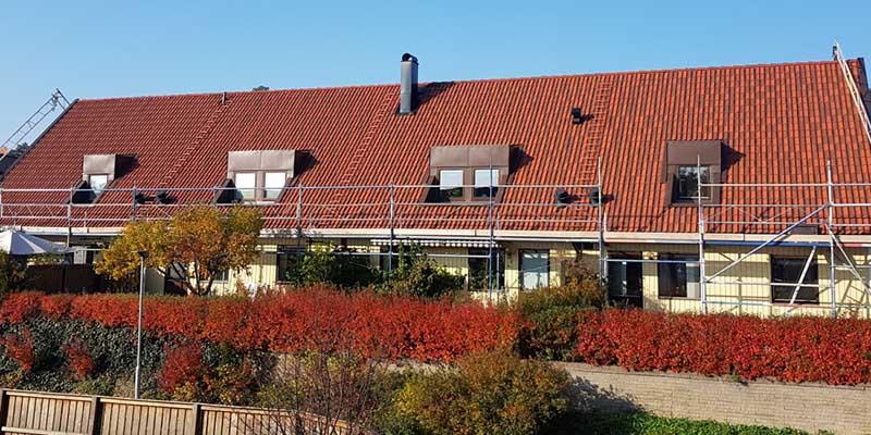 Takläggare i Sollentuna gör takläggning.