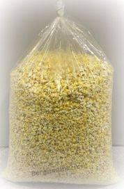 Färdigpoppade popcorn i säck