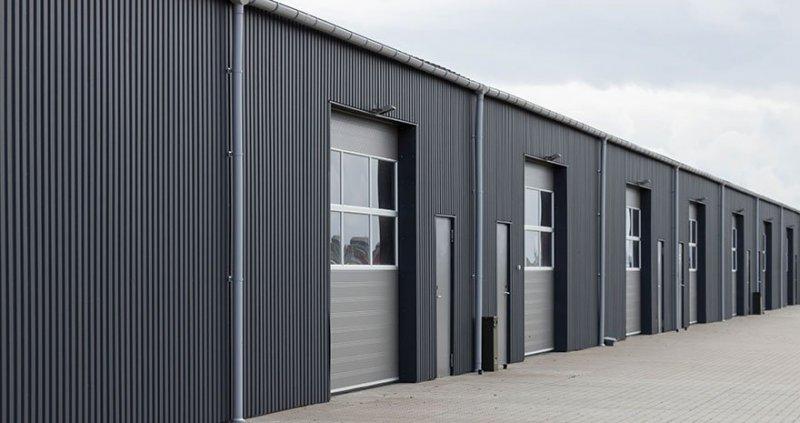 Vi erbjuder specialanpassade industriportar i Uppsala