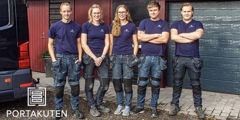 Vi som jobbar med montage av industriportar i Östergötland på Portakuten.