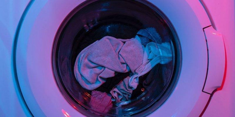 Tvättmaskin med tvätt efter att vi kunnat installera tvättmaskin i Stockholm.