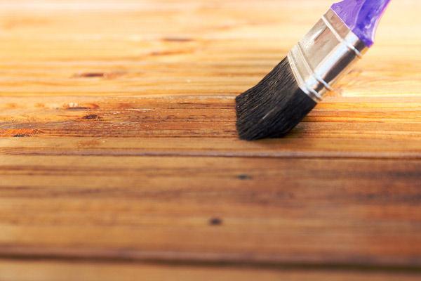 ytbehandlingar för slipade trägolv