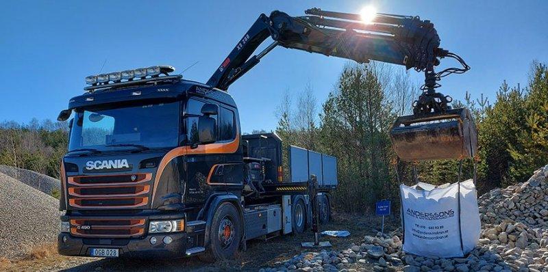 Vi kan även leverera säckar med hjälp av kranbil i Göteborg.