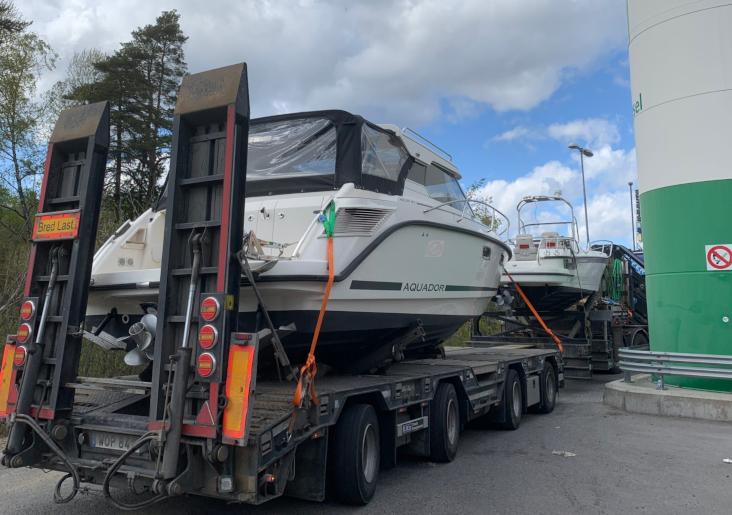 Vårt fokusområde är specialtransport som båttransport och kranbilar i Stockholm.
