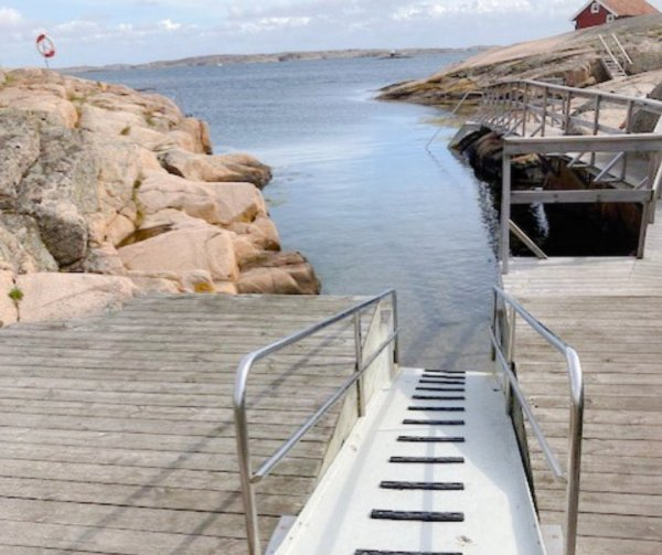 Handikappvänlig badplats på Smögen.