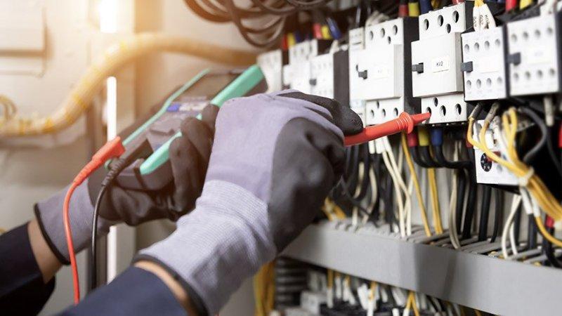 Hör av dig till oss när du behöver en elektriker i Kristianstad så hjälper vi dig.