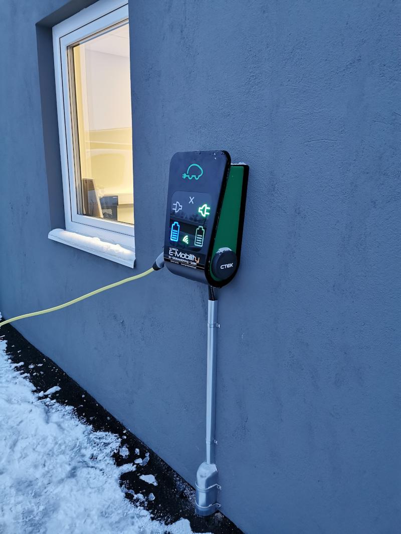 Vi säljer, hyr, installerar och säkrar olika typer avladdbox i Falun och omnejd.
