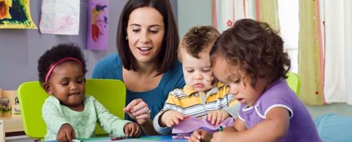 Nidi in famiglia: norme ed opportunità per chi intende accudire in modo professionale i bambini a casa propria
