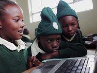 Bildspel, Jackline's Day. Northern Tanzania, Africa.