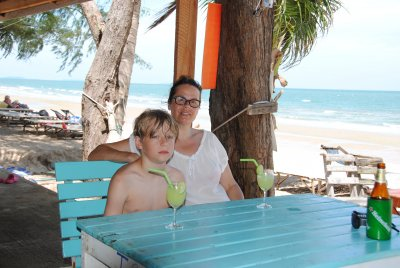 pia-och-scott-cola-beach.jpg
