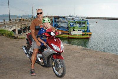 mopedtur-hamnen.jpg