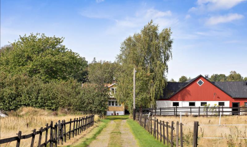 Charmig villa och lantgård.