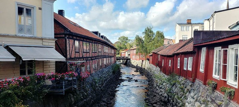 Vi har mäklare i Västerås som har stor lokalkännedom.
