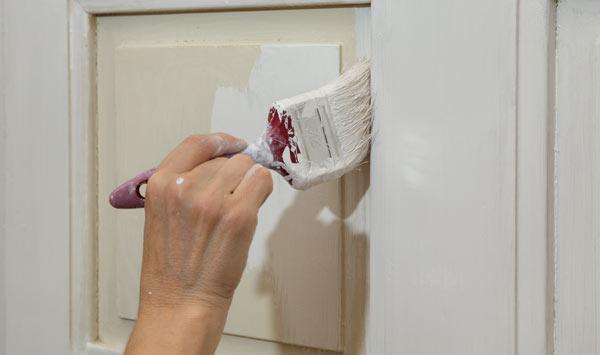 måla med oljefärg på dörr