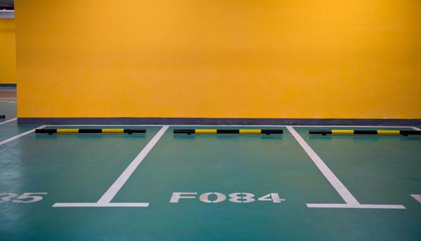 golv målat med tvåkomponentsfärg
