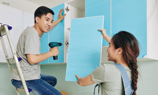 köksluckor målade med alkydfärg