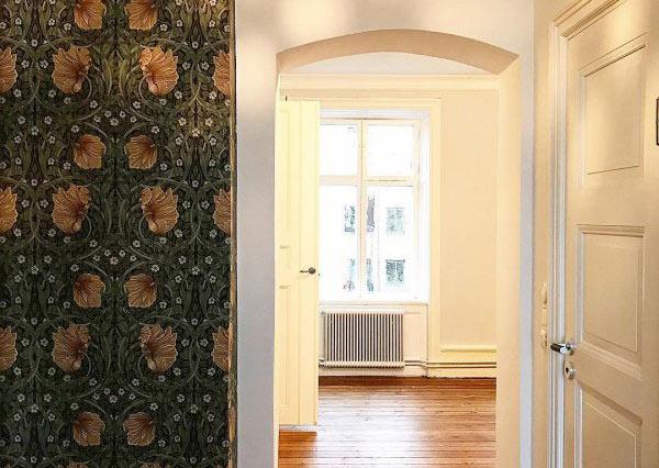 målat och tapetserat i lägenhet i Solna