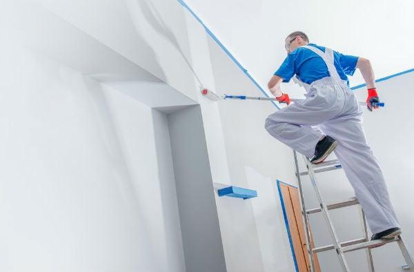 målare roller vägg
