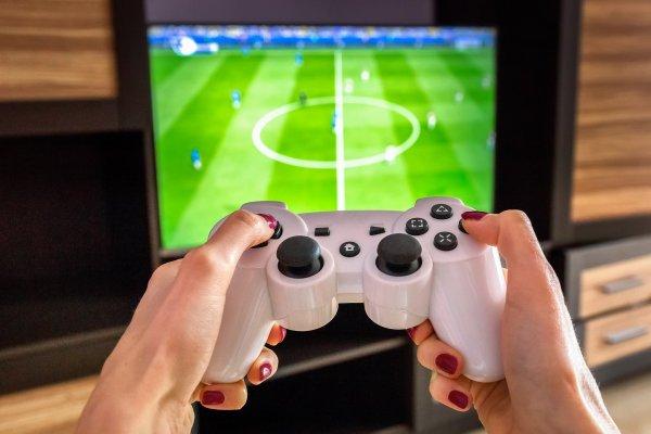 Spela FIFA online