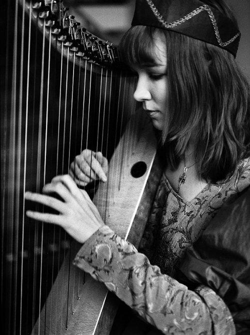 Nina Grigorjeva, harpa