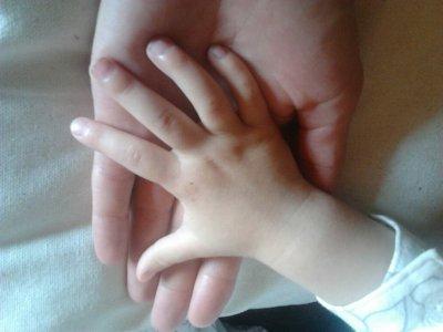 /hand-i-hand.jpg