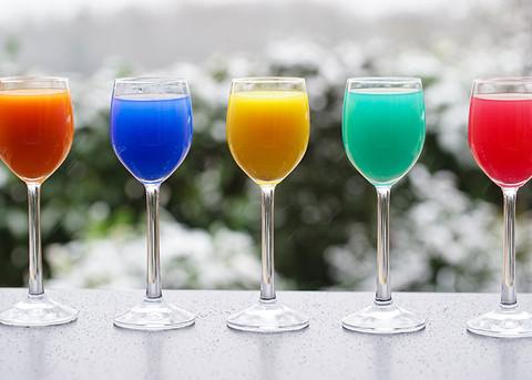 4 cocktail semplici da preparare in casa, uno per ogni settimana di quarantena