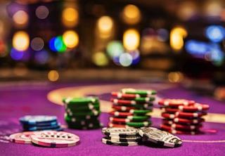 オンラインカジノとランドカジノ