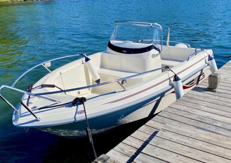 Vi hjälper er köpa och sälja båt i Enköping.