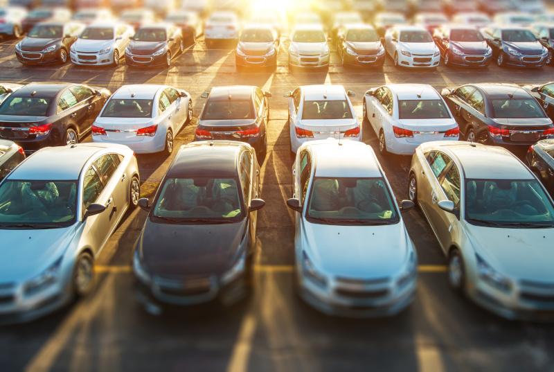 Kontakta våra erfarna bilhandlare när du vill köpa bil i Mölndal!